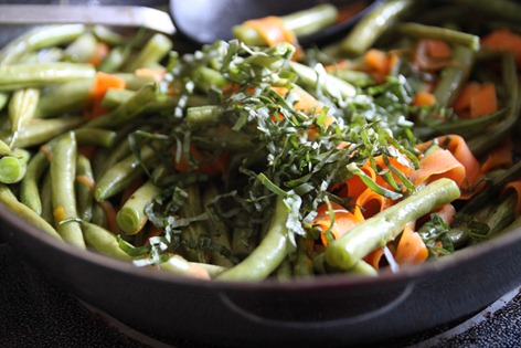 garlic_basil_carrots_green_beans2