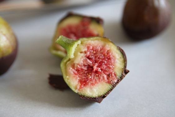 chocolate_dipped_figs3