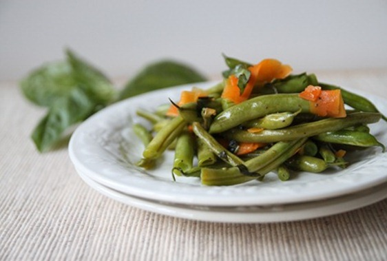 garlic_basil_carrots_green_beans