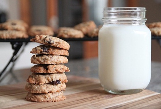 coconut_cherry_oatmeal_cookies