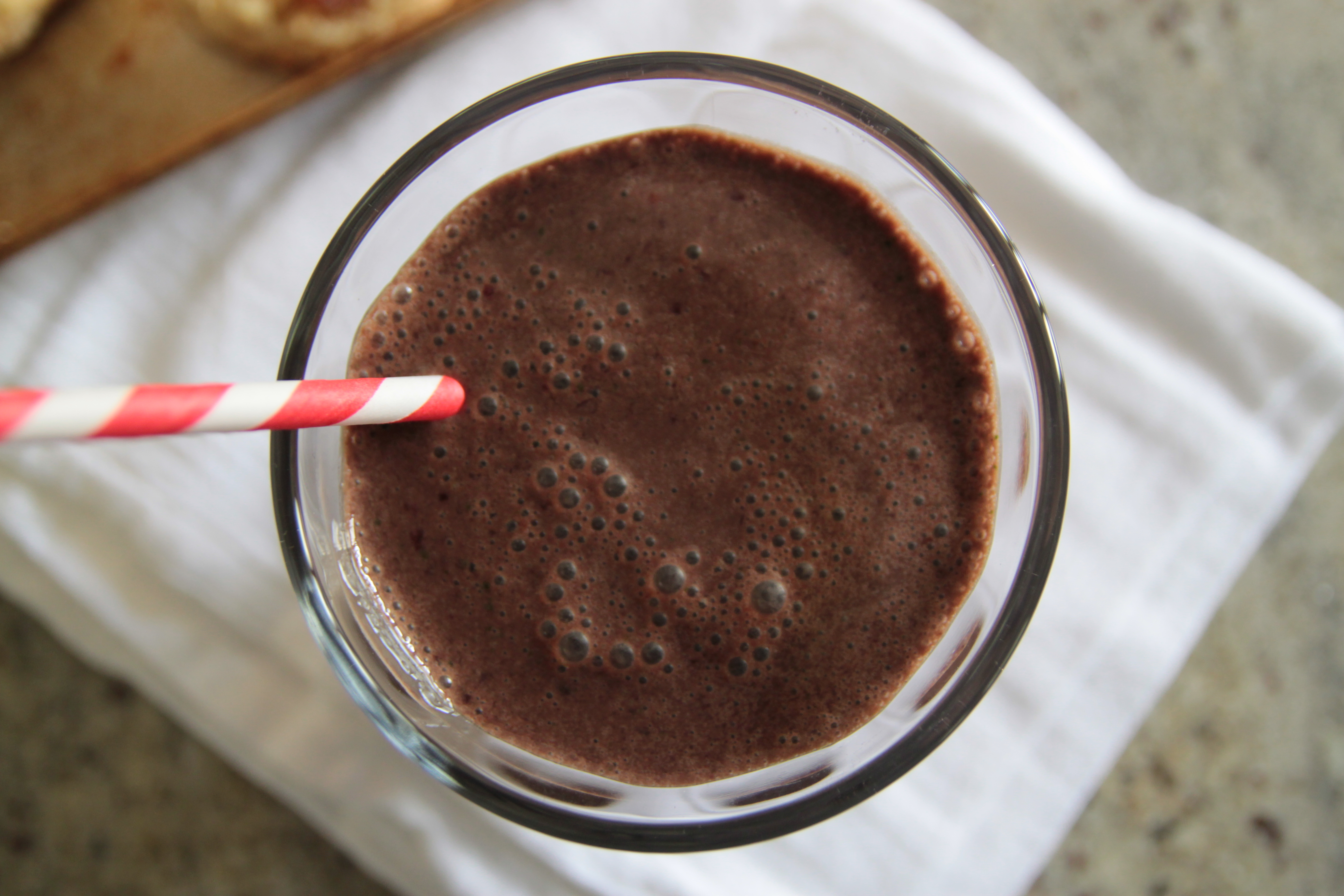 Double Chocolate Cherry Smoothie – Bran Appetit